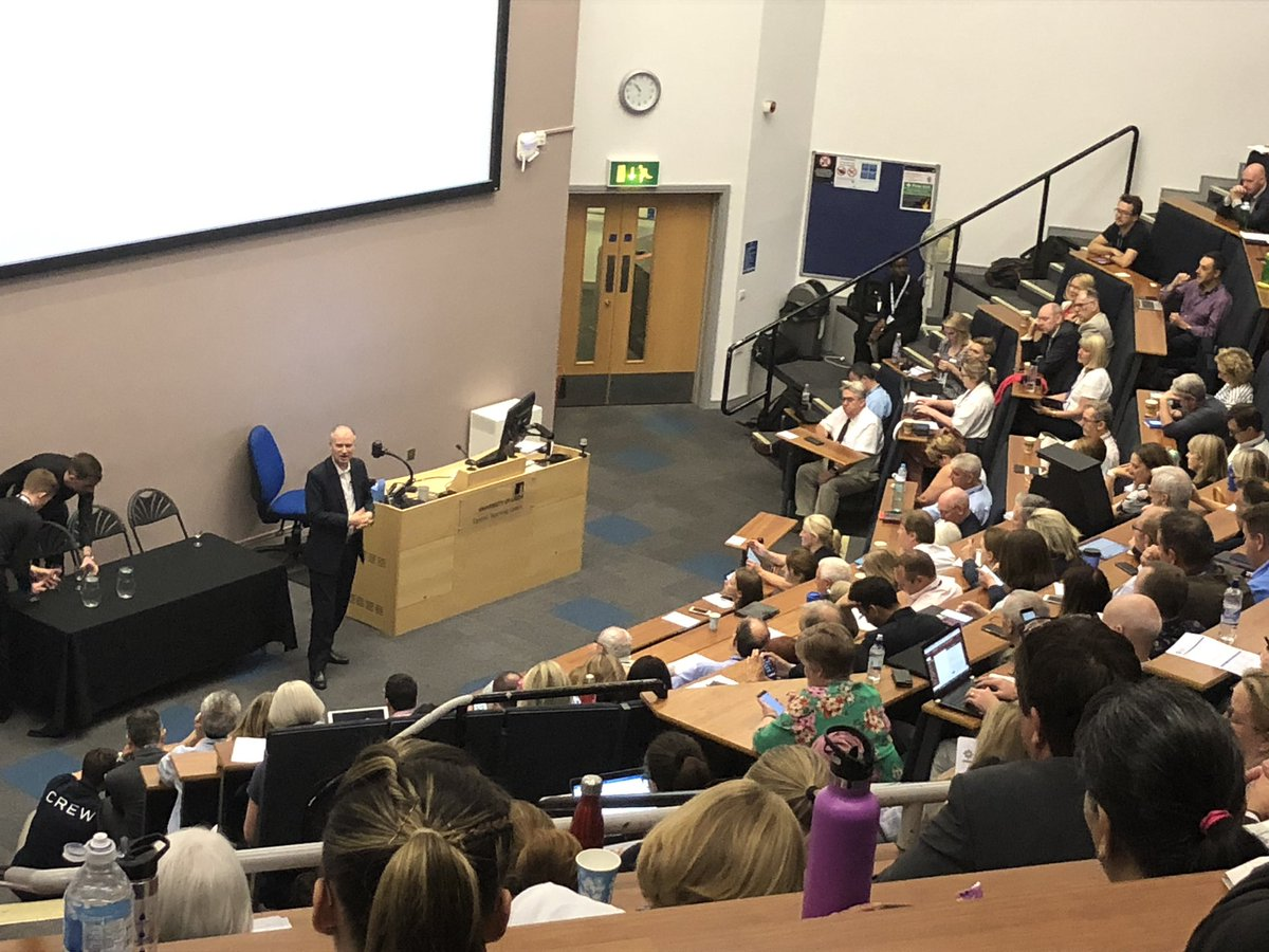 "@tomriordan: ""putting the citizen at the heart of everything do"": is been a transformational way of delivering services in Leeds #DHSS19"