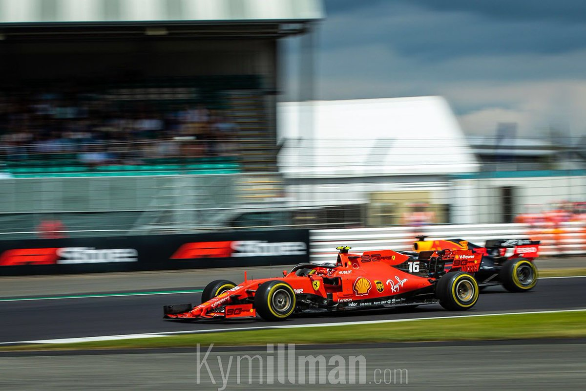 When Verstappen has DRS and Leclerc give his everything to stop his overtaken which next change it to an amazing fight ! 👊 .⁣⁣⁣ 📸 : http://Kymillman.com/F1 ⁣⁣⁣ .⁣⁣⁣ ⁣⁣⁣ #BritishGP🇬🇧 #NewsLeclerc #CharlesLeclerc #F1 #ScuderiaFerrari #Leclerc #Race #CL16 #Formula1⁣