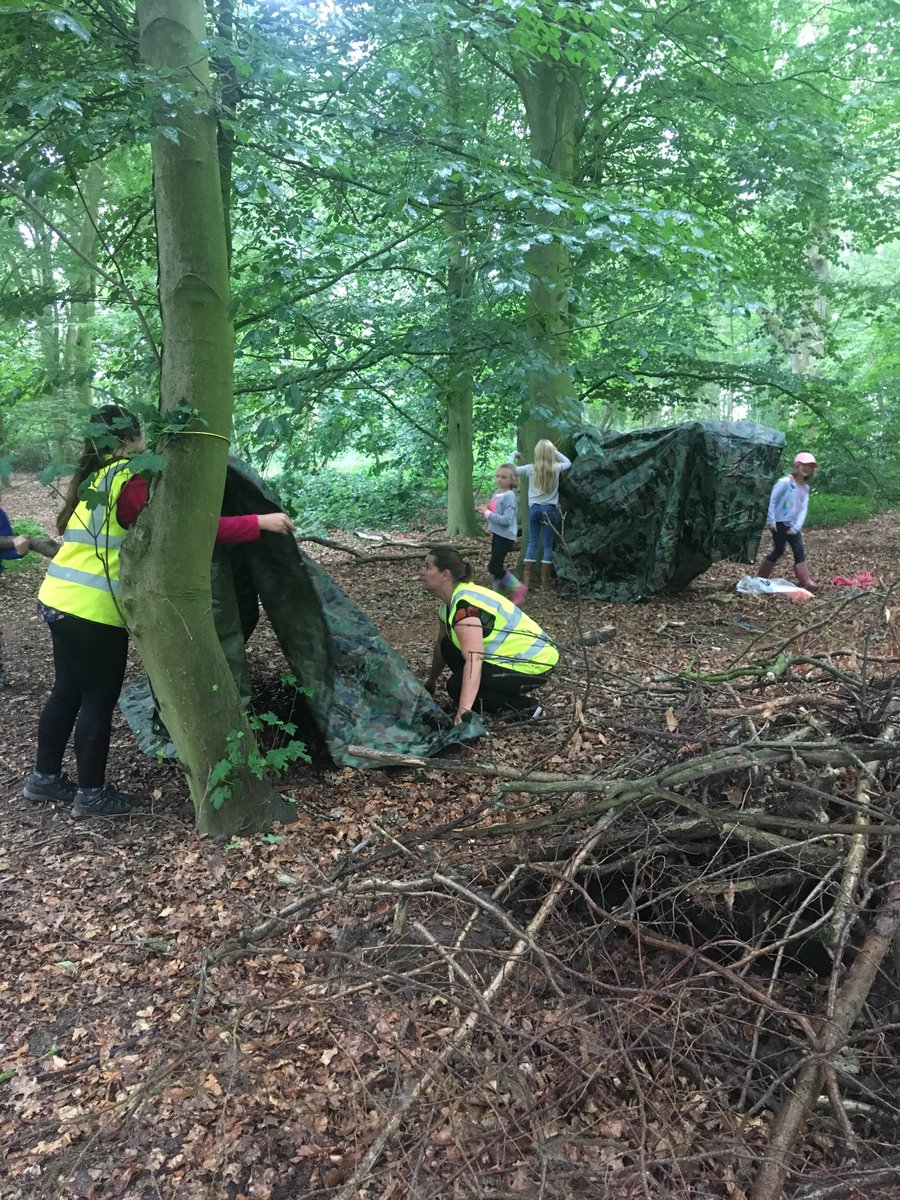 Jays and Owls went to the woods yesterday, what a great time they had: building shelters, completing scavenger hunts. To end it all we sang songs and roasted marshmallows round a campfire. Can't wait to see what exciting things we can learn in the woods next year!
