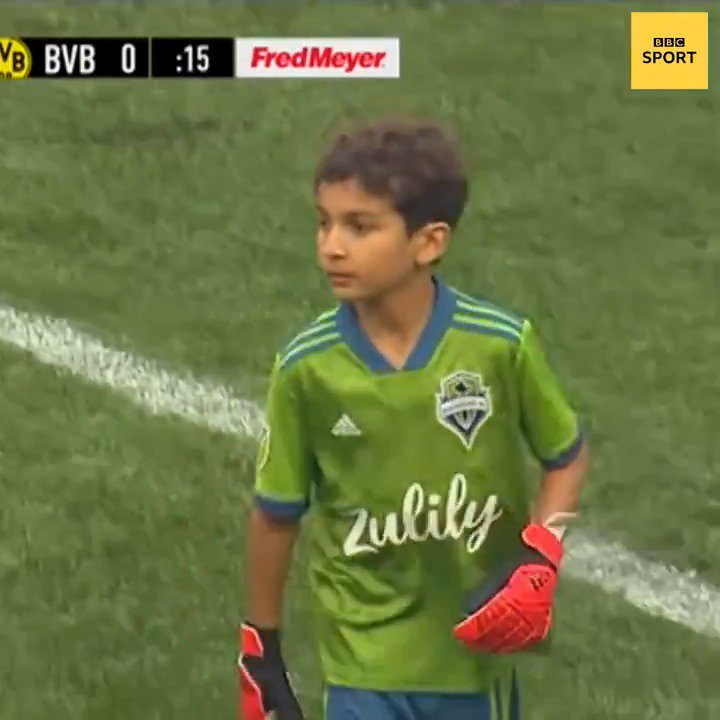This ❤Well played, @SoundersFC 👏Eight year-old Bheem Goyal who suffers from leukaemia, started in goal for their friendly against Borussia Dortmund.