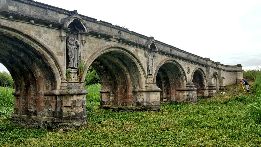 Back in Lincolnshire today working on and under this magnificent bridge! Fortunately for once there is no water under it at the moment! @BOrdconserve #Bridge<br>http://pic.twitter.com/lhUynkJKsk