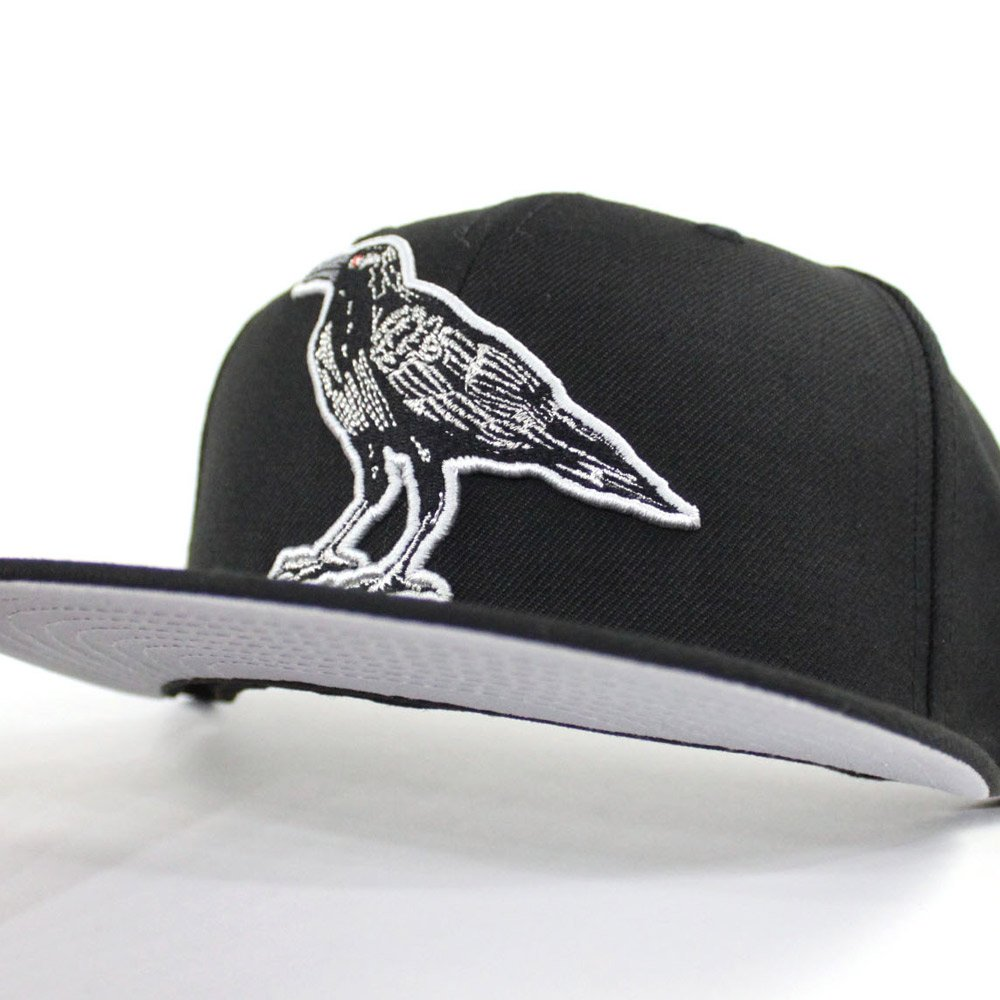 9b52c125 ... Under Brim.  http://www.ecapcity.com/catalog/product/view/id/56395/s/crow-new-era-59fifty -fitted-hat-black-gray-under-brim/ …