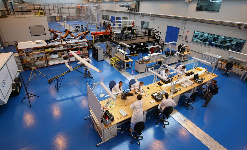 ¡Ven a trabajar con nosotros! ✈️🚀 Visita nuestra página web y conoce las ofertas de #empleo que tenemos disponibles en la actualidad. Entra en ▶️ http://www.catec.aero #aeronáutica #aeroespacial #ingeniería