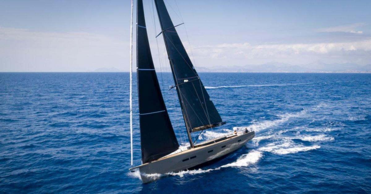 This Carbon #SailingYacht Is 70 Feet of Seafaring Luxury | http://ow.ly/yf5E50v2G7x