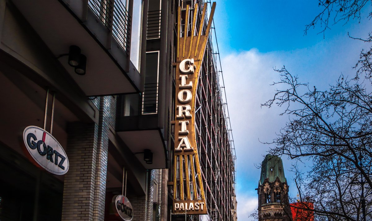 Our typographical trip down the Ku'Damm continues with some of the old film palaces. Here is the now-departed Gloria-Palast sign. #TypeInBerlin #KuDamm<br>http://pic.twitter.com/XTahEtmb3U