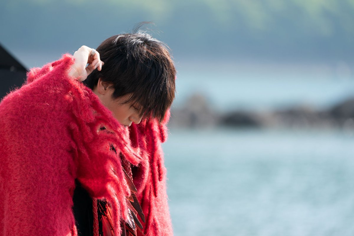 #Spin で岩田さんのお気に入りシチュエーションの一つだそうです☺️撮影:メイキングスタッフ#パワースポット的な#空気が澄んでました#岩田さん#オーラが見えます#浄化#いよいよ発売日まで2週間