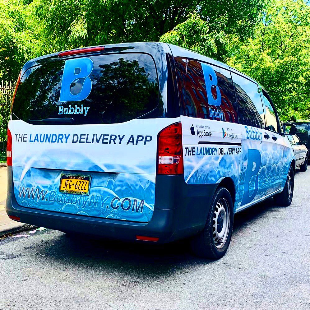 Happy Friday guys! Honk if you see us today 😉🗣#Laundry #BronxNY #CleanLaundry #LaundryServices #VirtualLaundromat #Convenient #LaundryDelivery #Subscriptions #MobileApp #Download