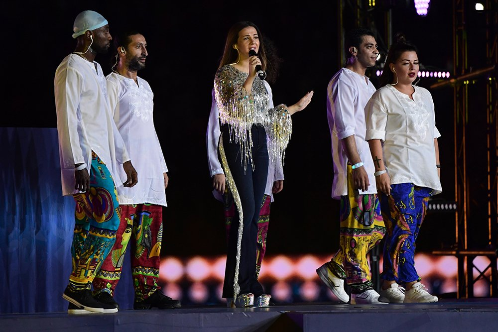 Egyptian actress and singer Donia Samir Ghanem and Ghanaian-born British musician Fuse ODG were among the performers during the closing ceremony ahead of the #AFCON19 final. <br>http://pic.twitter.com/9PwdI7vJvg