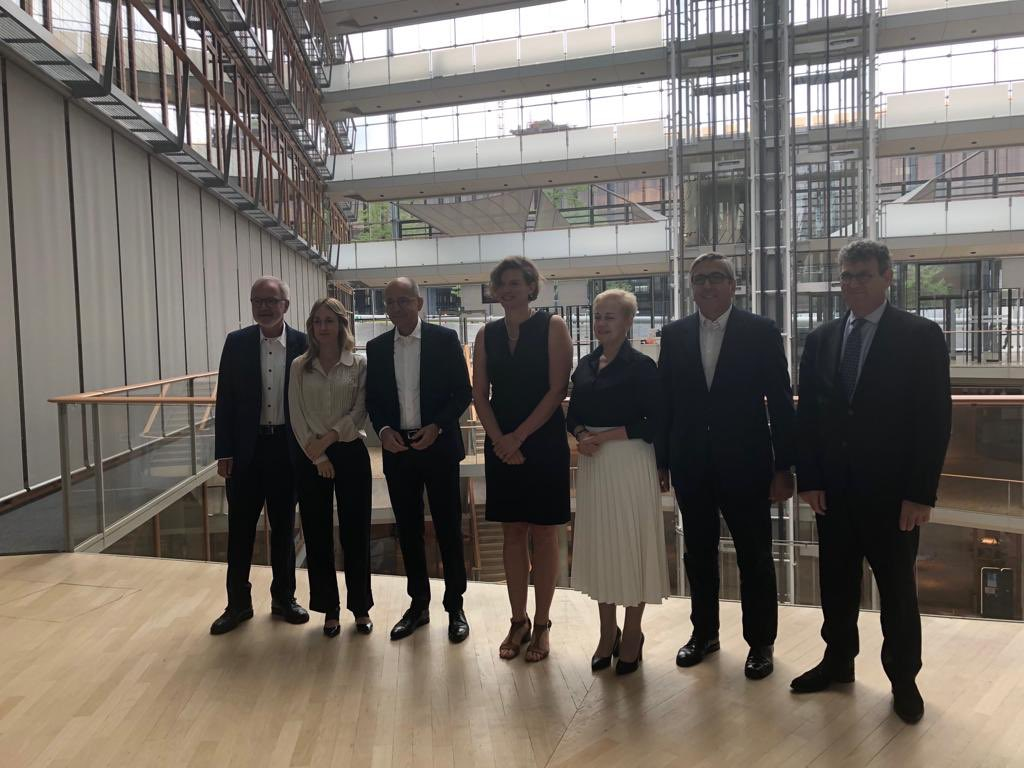 test Twitter Media - At @EIB today with leaders of all major European public banks. Presenting our @IIPP_UCL work on mission oriented patient finance. @L__Macfarlane https://t.co/qpTnTvsZzs