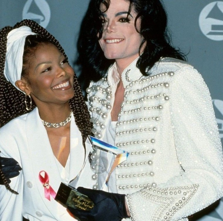 mjj photos on twitter michael jackson and janet jackson at the 35th annual grammy awards 1993 35th annual grammy awards 1993