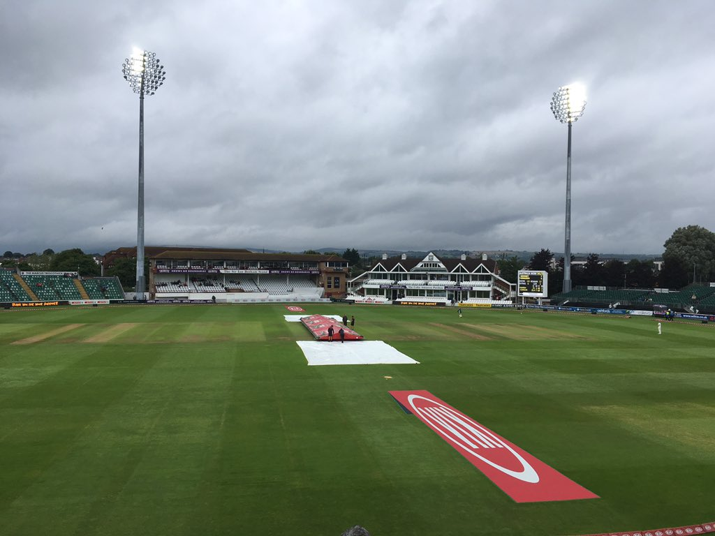 Tea to be taken at Taunton at 3.40. But fingers crossed we restart at 4pm. #bbccricket #WomensAshes