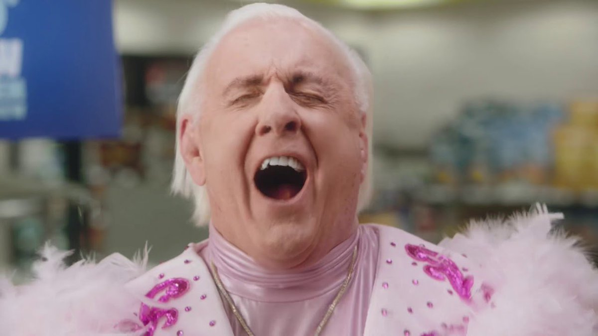 Watch #RicFlair's New Cumberland Farms Commercial, #WWE #SDLive Superstar Turns 33  http:// dlvr.it/R8jnVx    <br>http://pic.twitter.com/K62wkcoFQ8