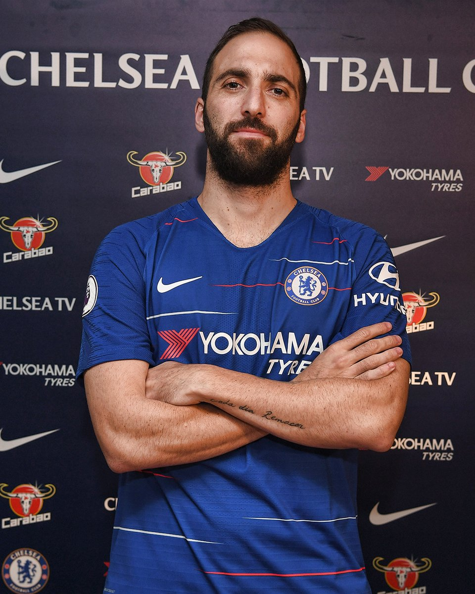 Gonzalo Higuaín is yet to give the green light for a move to Roma but hes expected to leave Juventus this summer. (Source: Calciomercato)