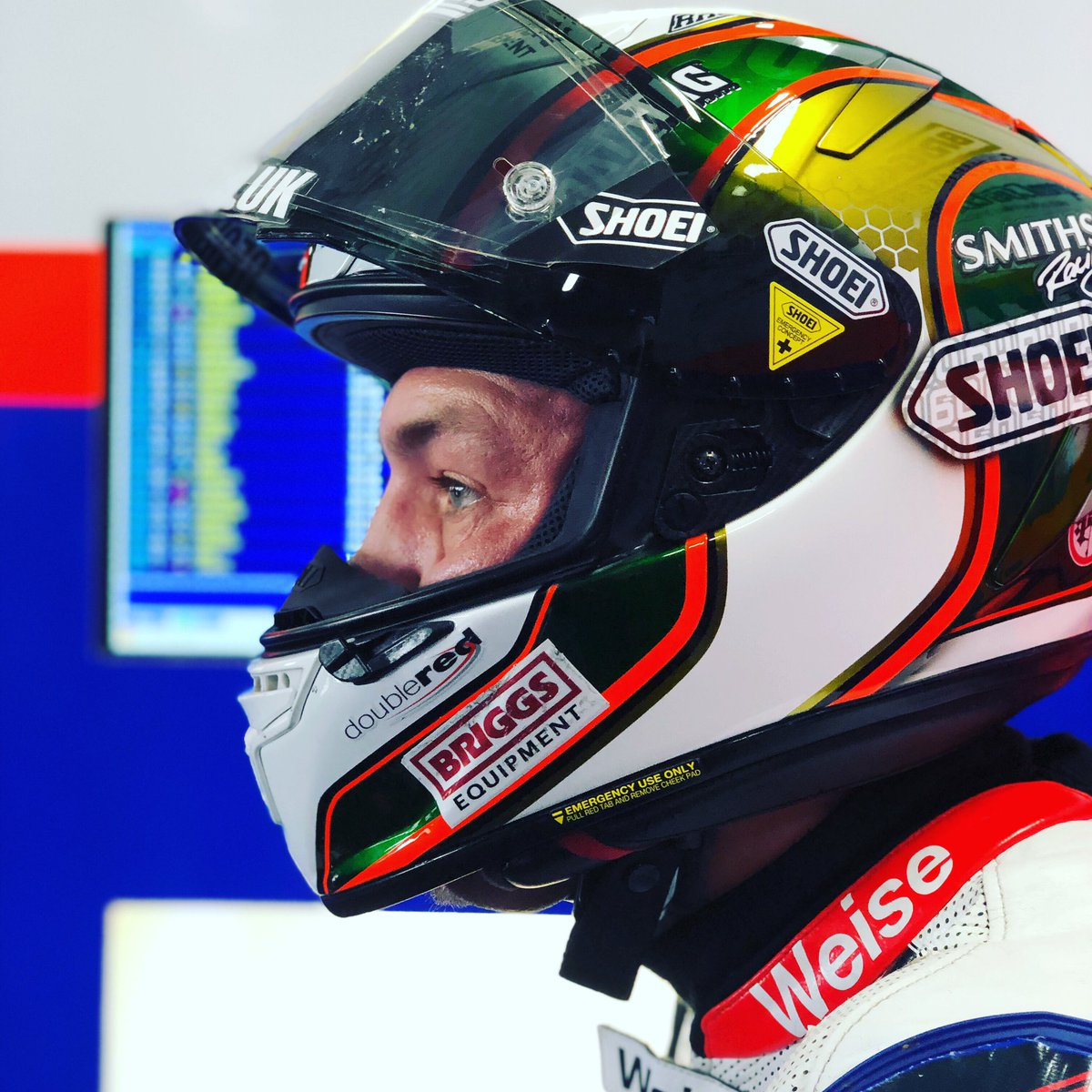 #FP2 going well for #Hicky60   Quick pit stop with @Smiths_Racing and straight back on track @OfficialBSB @SnettertonMSV
