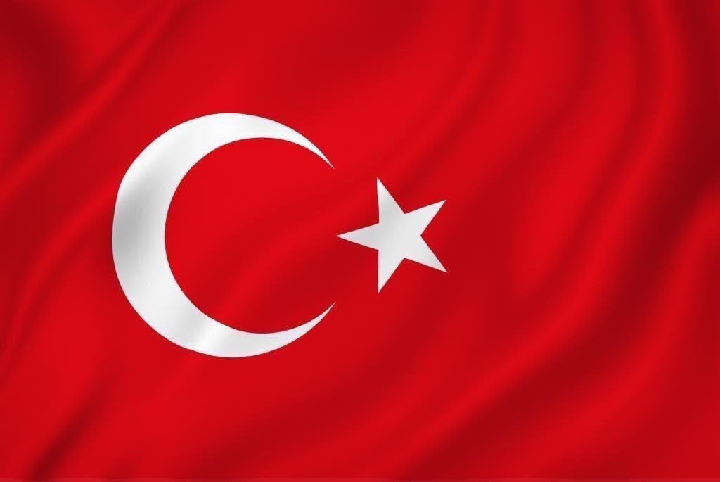 Bitlis'te teröristlerce düzenlenen saldırıda şehit olan Binbaşımız Zafer Akkuş'a Allah'tan rahmet, ailesine başsağlığı diliyorum. Yaralılarımıza acil şifalar temenni ediyorum.  Milletimizin başı sağolsun.🇹🇷