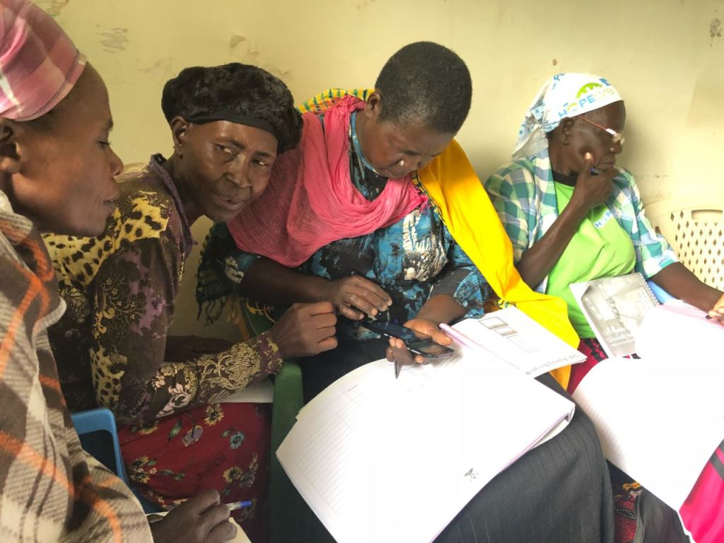 showing community health workers - HD1024×768