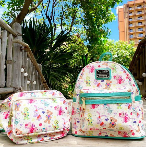 Check out the new Aloha Sunny Days collection at Aulani Resort!  https:// bit.ly/2SuwumT    <br>http://pic.twitter.com/oPRcihg4re