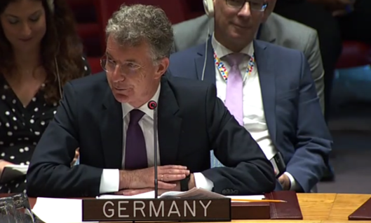 @DominicanRepUN @RussiaUN @MisionONUCol @ONUHumanRights @KuwaitMissionUN @NoticiasONU Destaco la reunión con la #JEP, la @ComisionVerdadC y la @UBPDBusqueda. Me impresionó la manera en la que quieren contribuir a la reconciliación en Colombia. Insto al Gobierno a continuar con su apoyo financiero a ellos: Christoph Heusg, embajador de Alemania 🇩🇪 ante la #ONU.