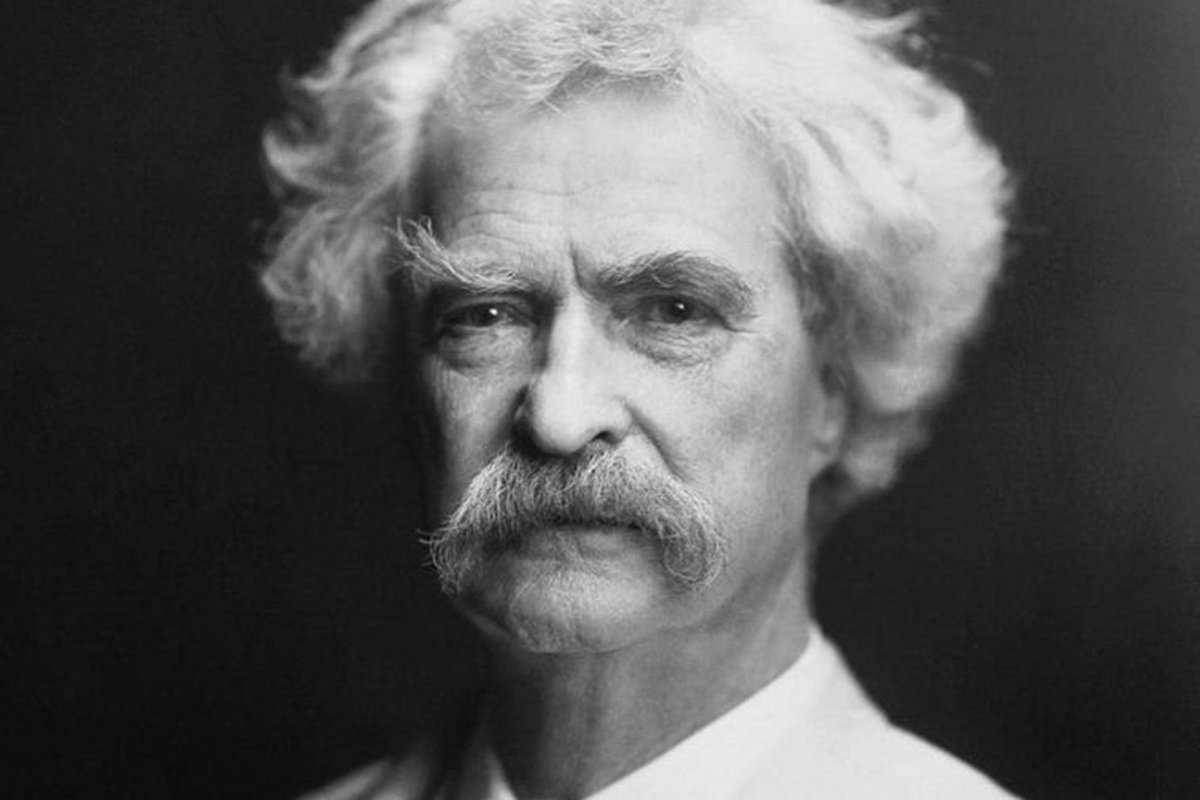 Never allow someone to be your priority while allowing yourself to be their option.  - Mark Twain   #WritingCommunity #Literature<br>http://pic.twitter.com/7lhgB8t0hy