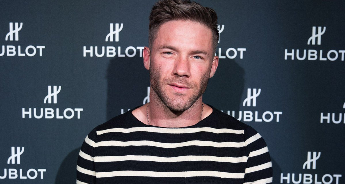 Julian Edelman Opens Up About Being A Dad: 'Such a Huge Challenge'  http:// dlvr.it/R8k4LY      #Celebs #JulianEdelman <br>http://pic.twitter.com/yrL5kOMlZW