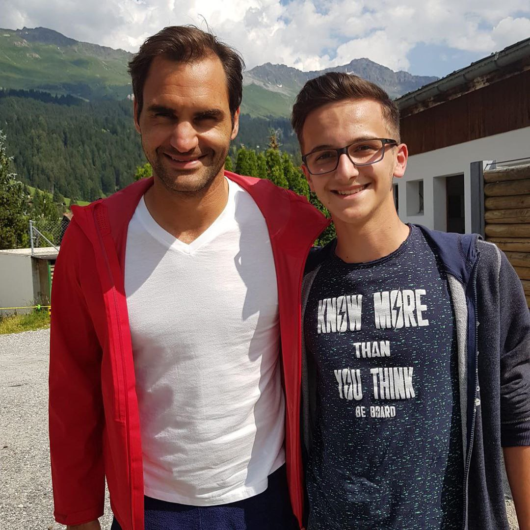 Recent photos with Roger😎Thanks to the fans for sharing them😉/IG: ivan_ma_7; ngabesz92; me_mgl#rogerfederer