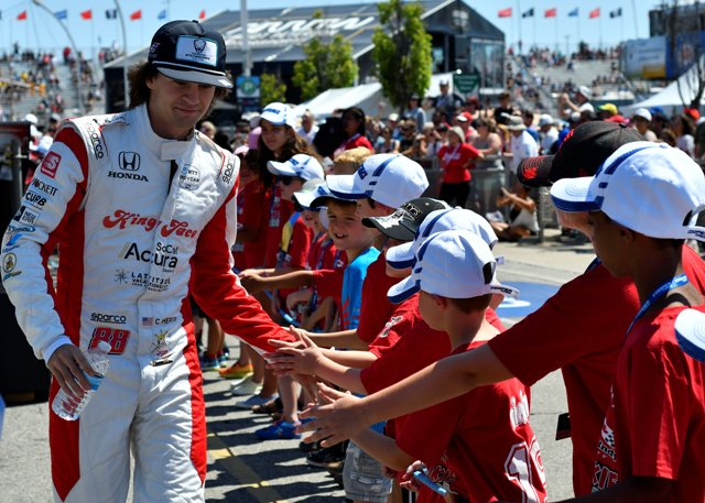 Rookie Racer high fives from an @IndyCar Rookie Racer 🖐️ @ColtonHerta / #indyTO