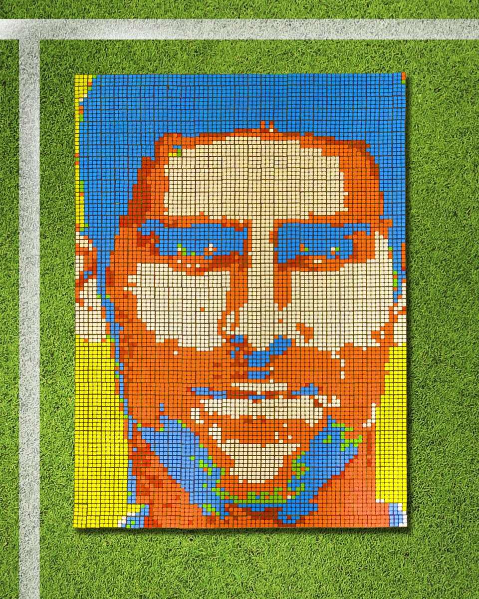 What's up @DjokerNole, we made a 950 cube mosaic of you in honor of your win at Wimbledon. Thoughts? <br>http://pic.twitter.com/IEcFWJrwkJ