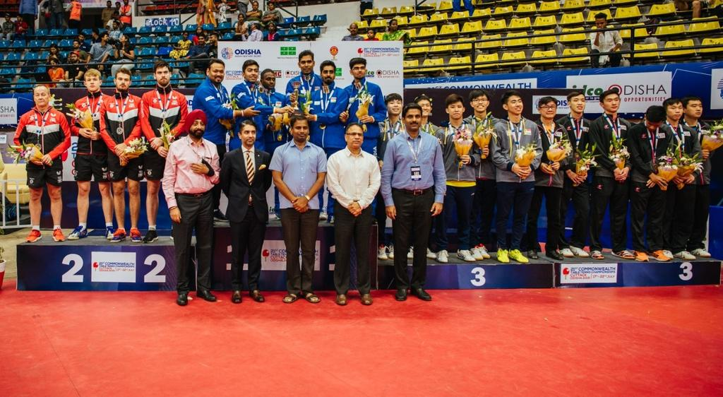 Here are the podium finishers for Men's Team event at 21st Commonwealth Table Tennis Championships 2019.Host India🇮🇳 won the gold🥇 while England🏴 settled for Silver🥈.  Malaysia🇲🇾 & Singapore🇸🇬 bagged joint Bronze🥉 in this event.  #Smash_It 🏓#CTTC2019 #Odisha2019.