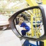 Image for the Tweet beginning: GM, VW, China partner SAIC