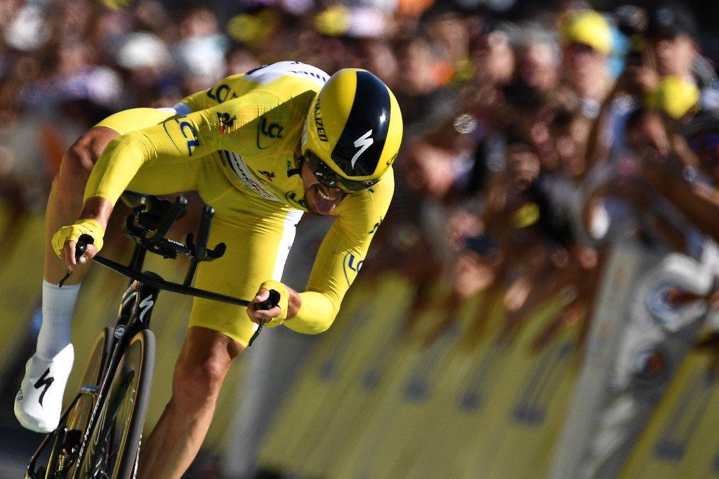 Tour de France : revivez cette 13e étape du contre-la-montre en images https://www.francebleu.fr/sports/cyclisme/en-images-tour-de-france-revivez-la-13e-etape-le-contre-la-montre-de-pau-1563541199…