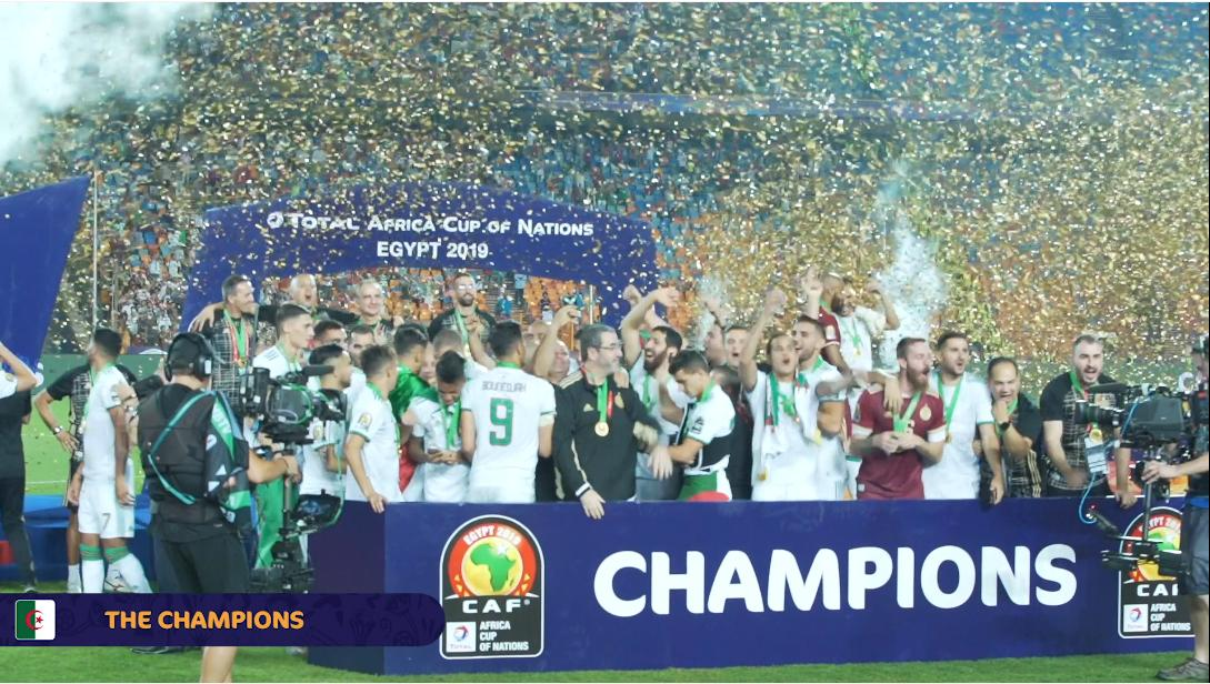 Ladies and Gentlemen..  The #TotalAFCON2019 champions 🇩🇿🏅👏  #CelebrateAfrica