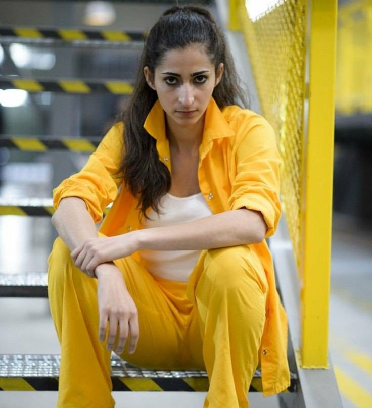 Dani On Twitter If You Guys Love Nairobi I Introduce You Saray Vargas From Vis A Vis Two Badasses Women Played By An Amazing Actress Aka Alba Flores Lacasadepapel Https T Co Ewjnwqc3jn