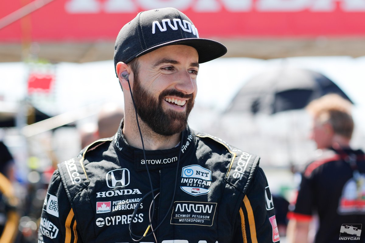 At 176.200, @Hinchtown slides into P1. Right behind him? Teammate @Ericsson_Marcus. The reigning winner seems to like this place 🌽💯 #INDYCAR // #Iowa300