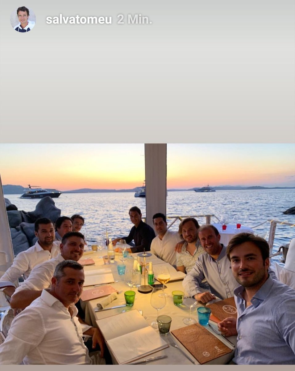 finally 🤗😃 the group is completed 😊 happy holiday chicos 🎉🕺🏽⛴🌡☀️☀️☀️⛱🥂🍹🥘🍑😃 #Rafa #Nadal #IslandHopping