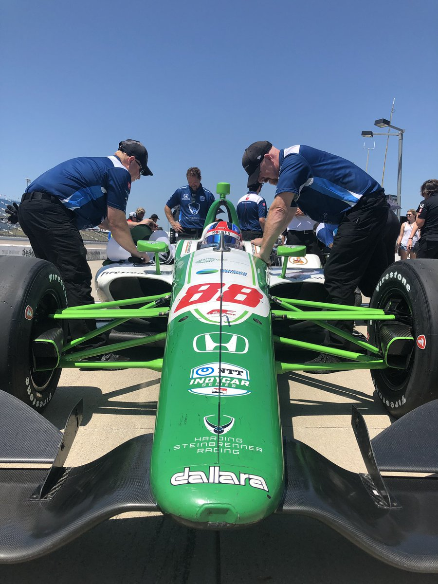 Did we mention that it is 135 degrees ambient on the @iowaspeedway track surface right now? Schweddy. #Iowa300 // #INDYCAR