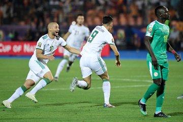 للمرة الثانية في تاريخه.. منتخب #الجزائر يُتوج بكأس الأمم الأفريقية بعد فوزه على #السنغال بهدف دون رد.#الجزائر_السنغال
