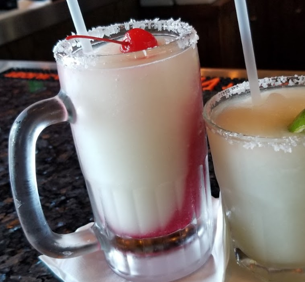 These hot summer days call for cold summer treats! It is time to escape that summer heat and stay chill with some of the best drinks in town! . . #SeaRanchRestaurant #SouthPadreIsland #SPIEats #SPI #TXEats #Foodie #SouthPadre #LocalEats #Texas #Foodtography