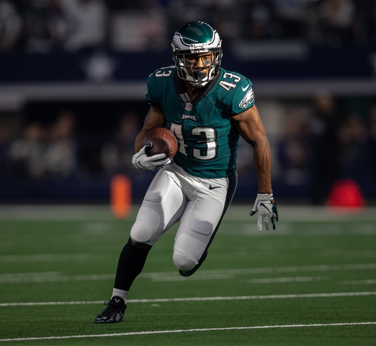 For those keeping track at home: In addition to leading all active players in career all-purpose yards, Sproles is the only player in NFL history with 30+ receiving TDs, 20+ rushing TDs, 1+ kickoff return TD, and 1+ punt return TD.  #FlyEaglesFly <br>http://pic.twitter.com/Grwc6MTaZt