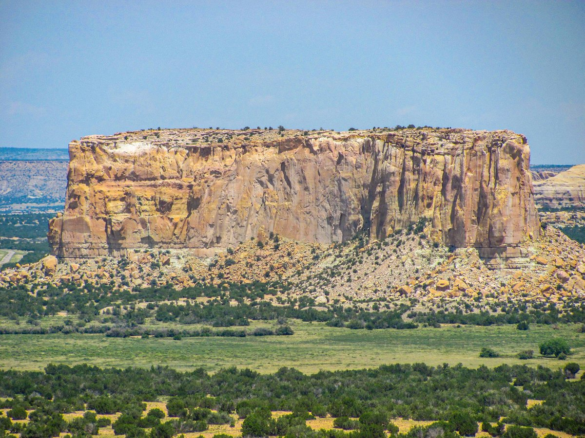 I believe these were taken out by Acoma, New Mexico? I need to revisit that place, it really is an awesome landscape #photography #NewMexico https://t.co/oYSbVFNu95