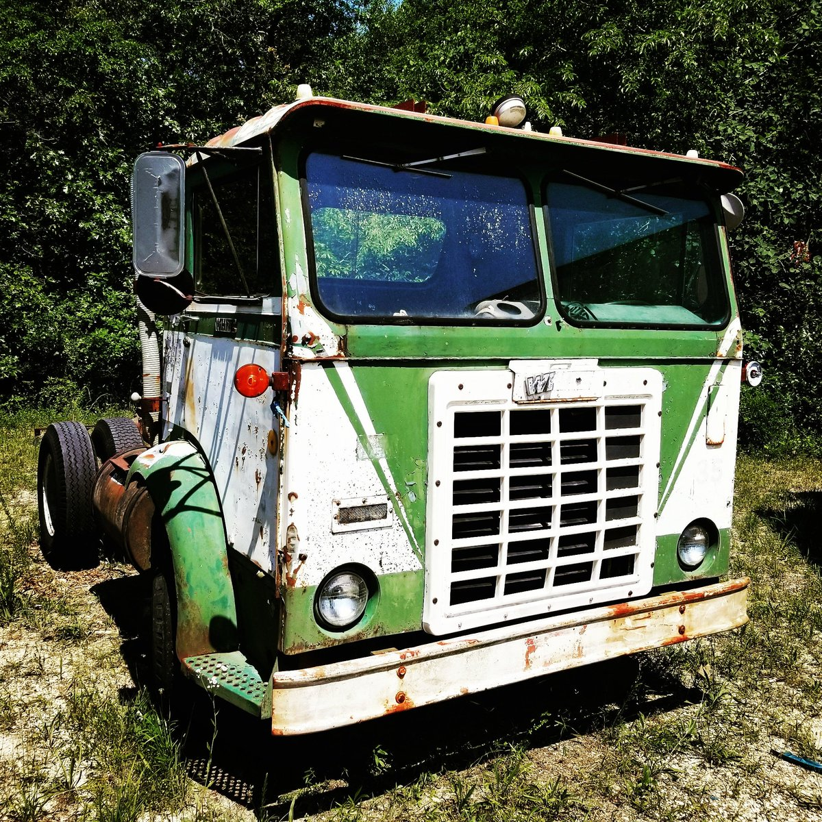 Came across this old beauty the other day, 1960s White Cabover  #cabover #White #Trucking #Truckporn #Truckerlife