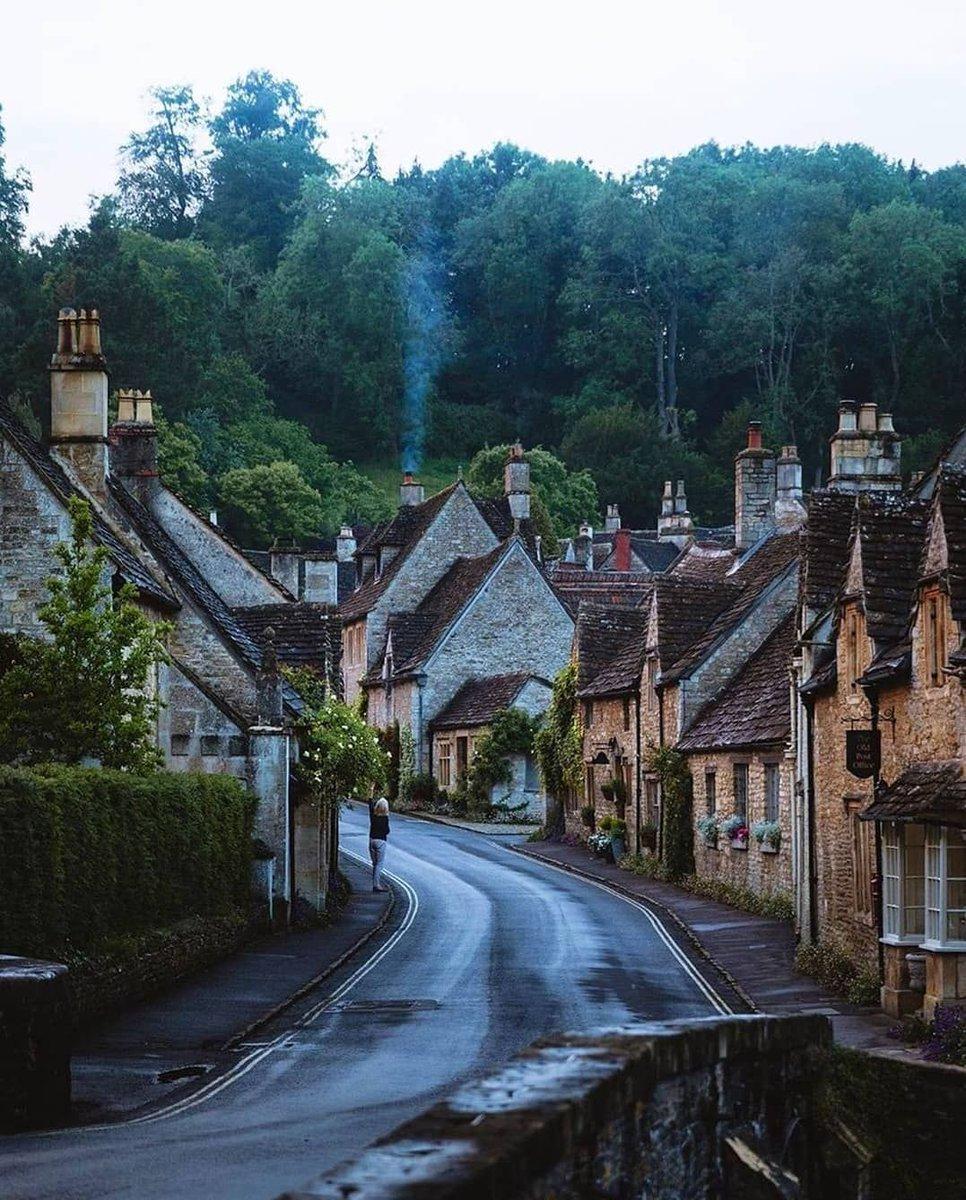 United Kingdom 🇬🇧 via: jameslloydcole