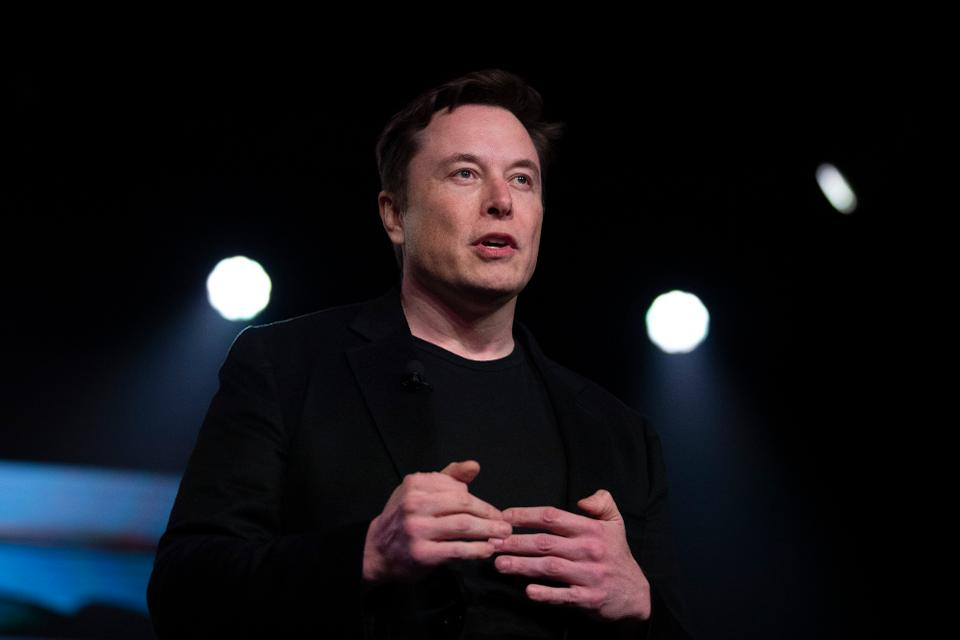 Elon Musk said his brain-machine interface has performed some successful experiments with rats and promises one day it will allow people to merge with artificial intelligence https://www.forbes.com/sites/alexknapp/2019/07/17/elon-musk-sees-his-neuralink-merging-your-brain-with-ai/?utm_source=TWITTER&utm_medium=social&utm_content=2484647056&utm_campaign=sprinklrForbesMainTwitter#613fc3f94b07… by @TheAlexKnapp