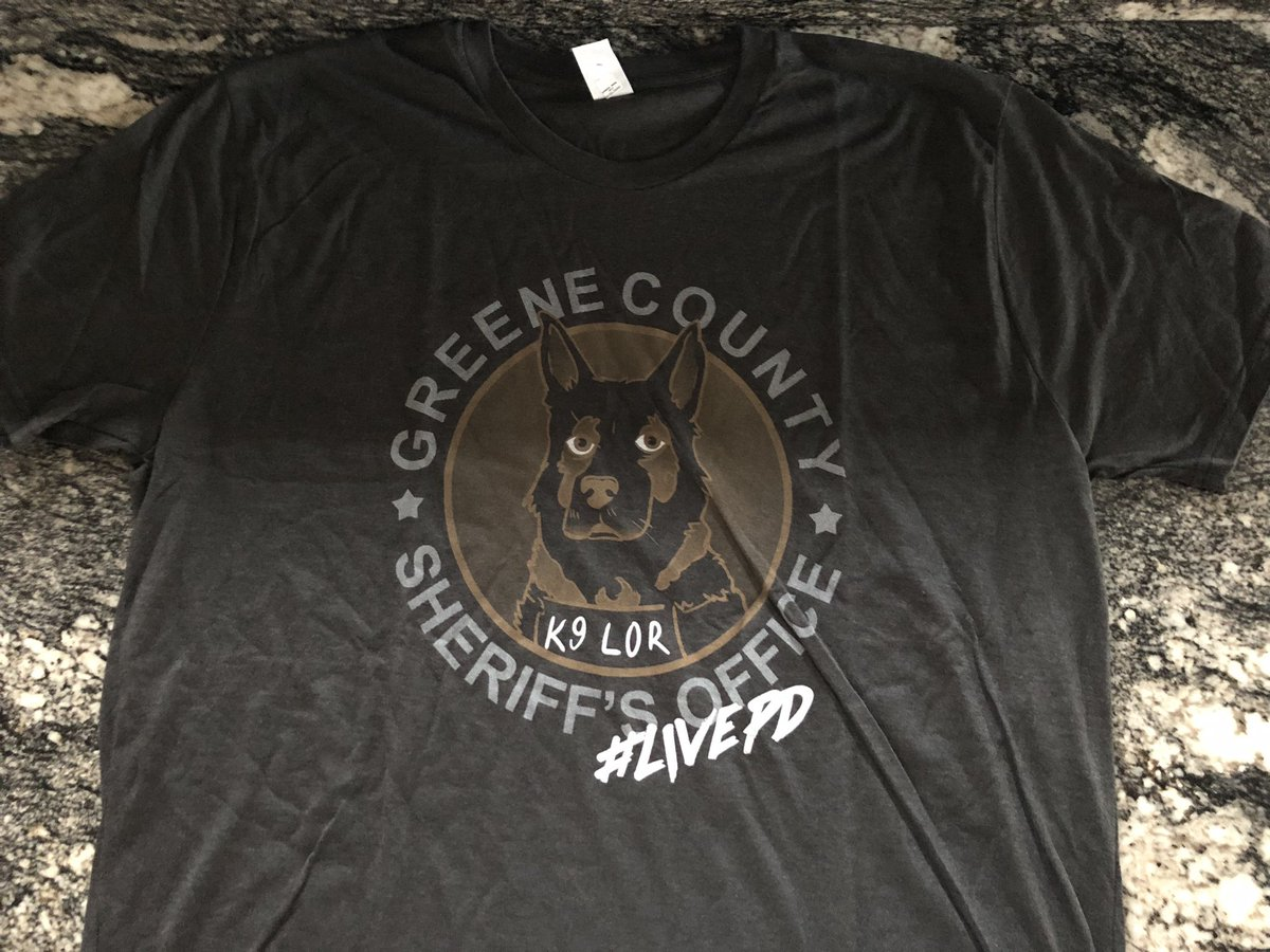 Contest time - it's easy to enter ✅ Like the post ✅ Follow my twitter account✅ Leave a comment  ✅ Retweet the post #K9Lor #shirt #1000retweets #55000followers