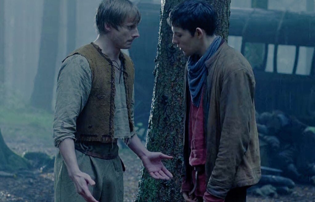 oh my god merlin where the heck are you looking at !!!!! <br>http://pic.twitter.com/ylaJDVbLP5