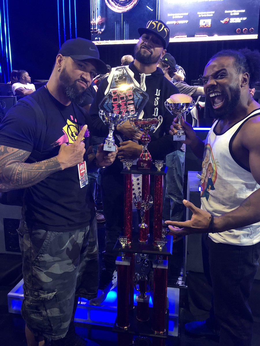 Had a hell of a time at the @PlayApex @espn pro/am - All the  @wwe superstars involved took home a trophy and I'll be taking the big one next time. Shouldn't be that hard to keep it in the family 😉
