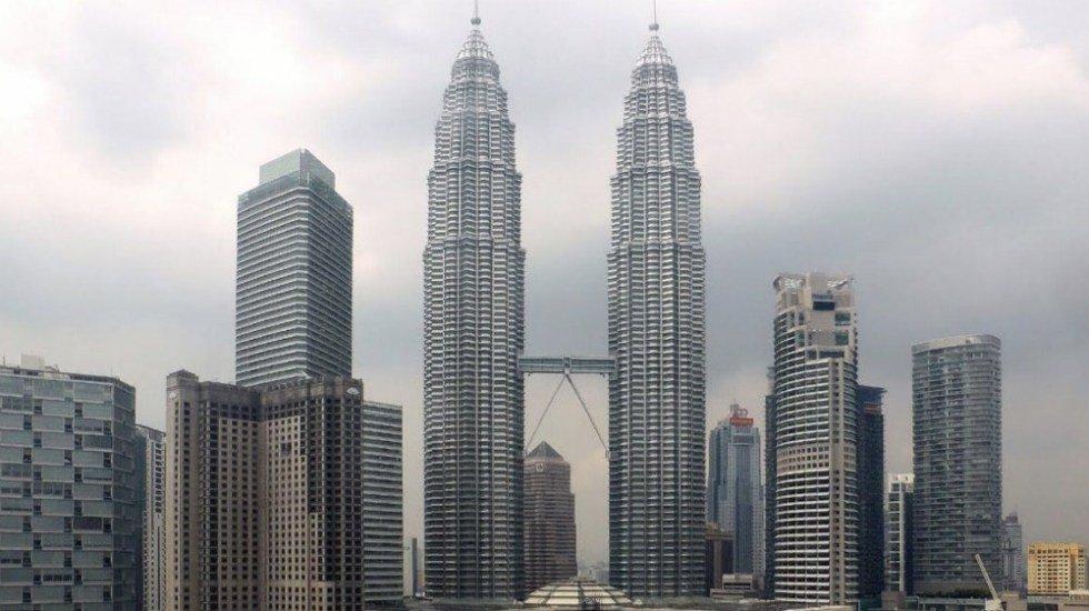 Ha muerto el arquitecto argentino César Pelli, diseñador de las Torres Petronas http://bit.ly/2GiB6YA