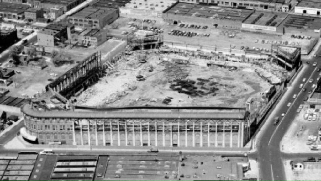 Only the shell remains as Ebbets Field is demolished, 1960. If only someone had the foresight keep the exterior and repurpose the interior #Dodgers<br>http://pic.twitter.com/LLqFZqfGXG