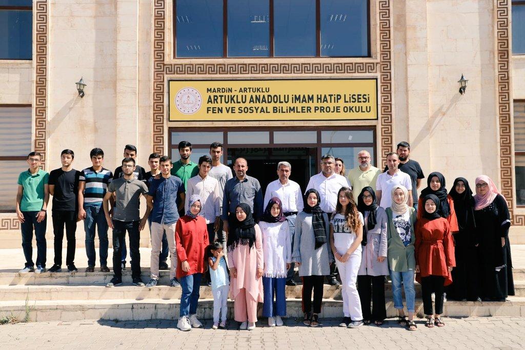 İl MEM @yakup1219 #Artuklu Anadolu İmam Hatip Lisesi Fen ve Sosyal Bilimler Proje Okulu Yaz Kampı'nı ziyaret ederek öğrenci ve öğretmenlerimizle kahvaltıda bir araya geldi.  #Eğitim2023 @tcmeb @ziyaselcuk @safran1958 @MustafaYMN @hmzaydg