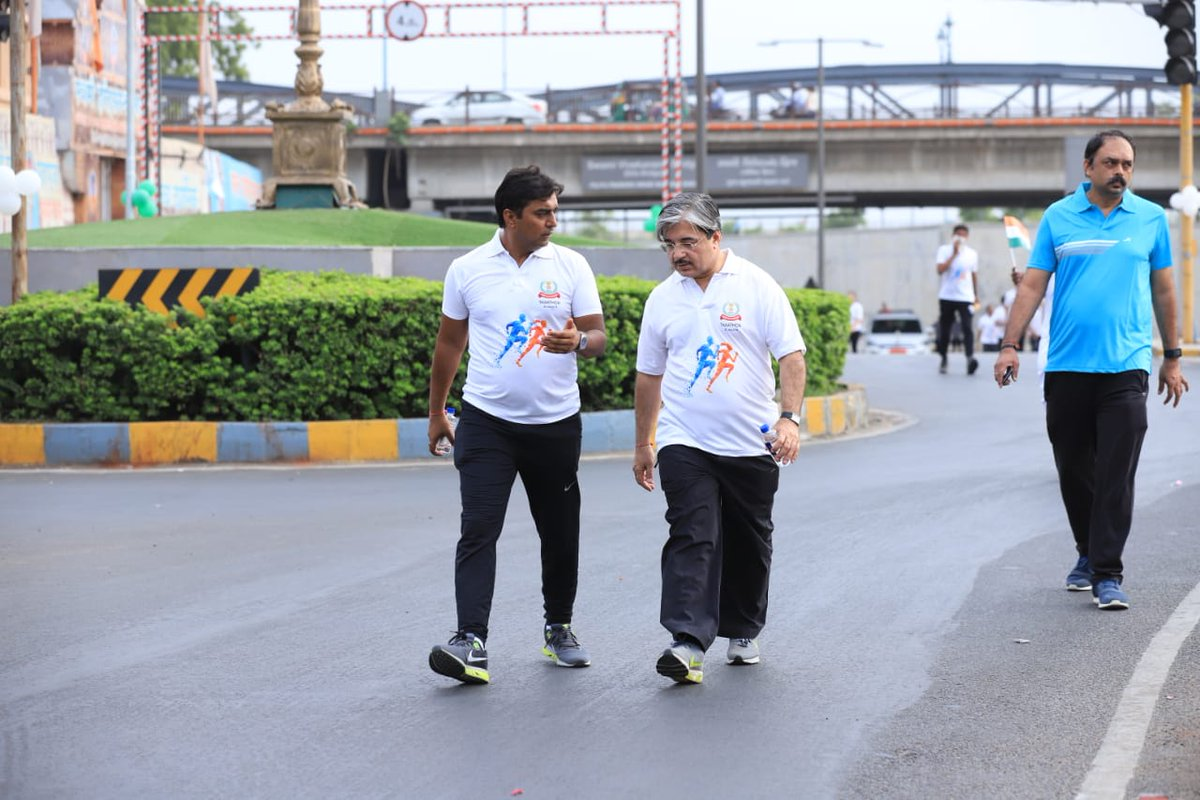The #Gujarat @IncomeTaxIndia on Saturday organized 'Taxathon' at #Sabarmati #Riverfront as part of week-long celebration of Income Tax Day on July 24. @AhmedabadPolice  commissioner AK Singh and @CollectorAhd Vikrant Pandey participated along with PCCIT Gujarat AD Mehrotra.<br>http://pic.twitter.com/zVXrWgXNOy