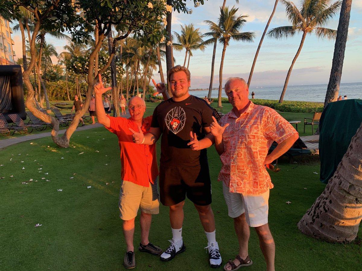 Cowboy Fans are everywhere - Maui  #GoPokes @cadealanbennett @Coach_Dickey<br>http://pic.twitter.com/rd0wYIHjPK